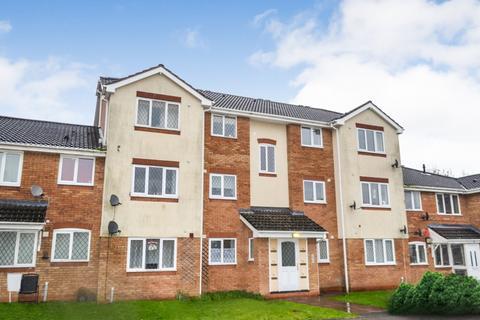2 bedroom flat to rent - Midland Court, Woodside