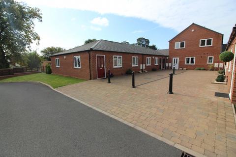 2 bedroom bungalow to rent - Ashmore Lodge, Essington