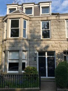 4 bedroom flat to rent - Albury Place, Aberdeen, AB11
