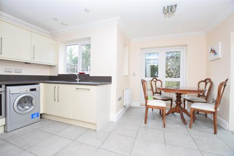 4 bedroom semi-detached house for sale - Earlsbury Gardens, Edgware