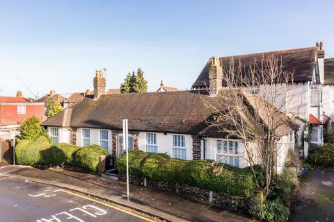 3 bedroom detached bungalow for sale - Blake Road, Croydon