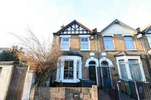 3 bedroom terraced house to rent - Walthamstow E17