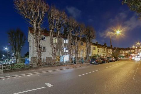 2 bedroom flat for sale - Wightman Road, London N8