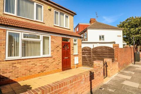 3 bedroom semi-detached house for sale - Rusper Road, London, N22