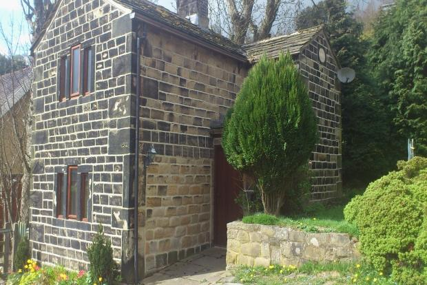 2 Bedrooms Detached House for sale in THE CASTLE TODMORDEN