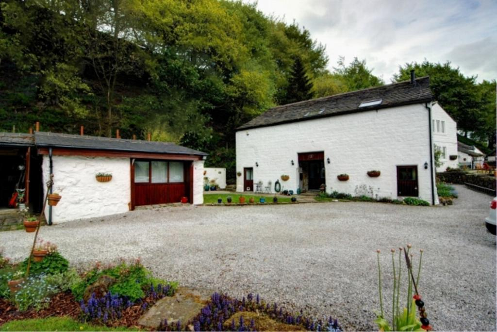 5 Bedrooms Detached House for sale in HILL HOUSE BARN TODMORDEN