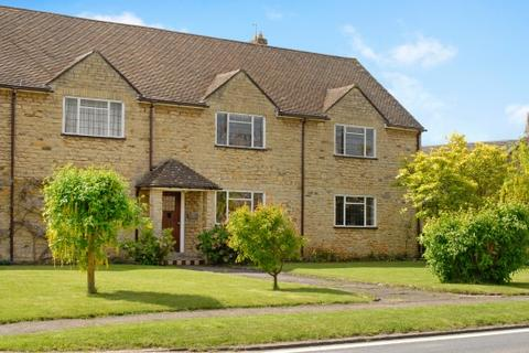 2 bedroom apartment to rent - Aynho Court, Croughton Road, Aynho, Banbury
