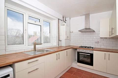 3 bedroom terraced house to rent - Guyscliffe Road SE13 - 3 Bed flat