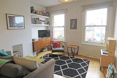 2 bedroom flat for sale - Dalston Lane, London