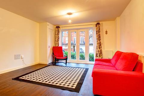 2 bedroom apartment to rent - Wells View Drive, Bromley, BR2