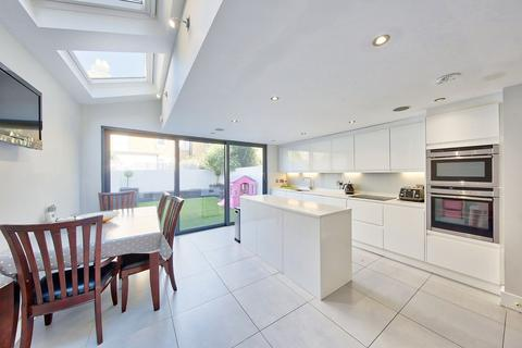 4 bedroom terraced house to rent - Lavender Sweep, London, SW11
