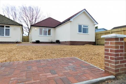 3 bedroom bungalow for sale - Almer Road, Hamworthy, Poole, Dorset, BH15
