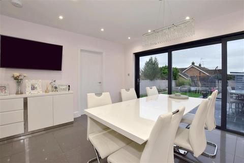 4 bedroom bungalow for sale - Shipbourne Road, Tonbridge, Kent