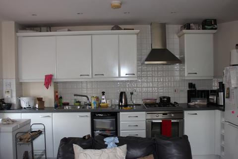 2 bedroom apartment for sale - Long Acre House, Pettacre Close, Thamesmead, London SE28