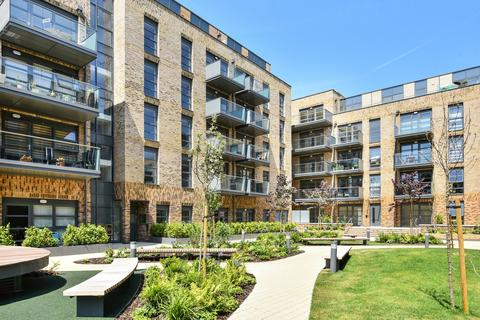 3 bedroom flat for sale - Pages Walk London SE1