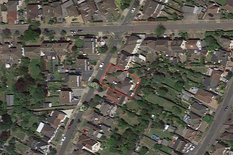 1 bedroom property with land for sale - Cranham Gardens, Cranham, Upminster, Essex, RM14