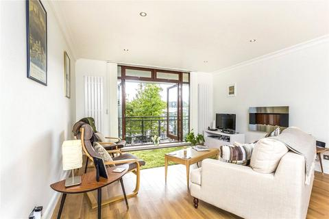2 bedroom flat to rent - Swan Court, Star Place, London