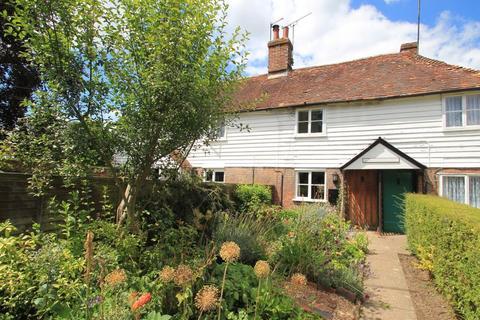 2 bedroom semi-detached house to rent - Cross Cottages, Bodiam Road, Sandhurst, Kent, TN18 5LT