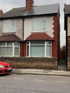 2 bedroom semi-detached house to rent - Spacious, partially furnished, two bedroom property available immediately!