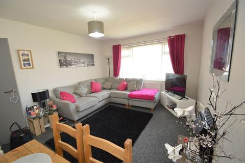 2 bedroom apartment to rent - Temple Road, Sale, M33