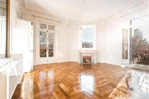 5 bedroom apartment  - Paris 7, Paris, Ile-De-France