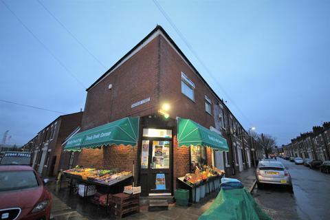 Shop to rent -  Castleton Road,  Preston, PR1