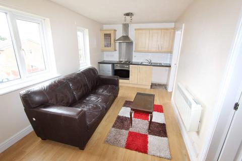 1 bedroom flat to rent - Honeysuckle Way, Shawclough, Rochdale