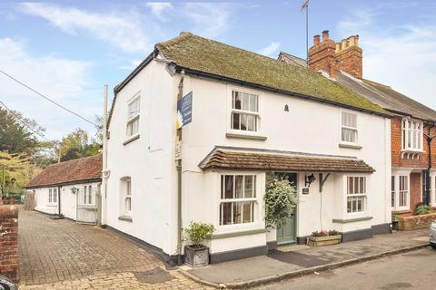 3 bedroom semi-detached house for sale - Church Street, Kintbury, Berkshire, RG17