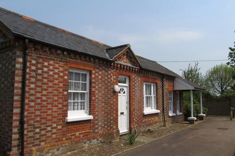 1 bedroom cottage to rent - Chapelfields Cuckfield RH17 5JR