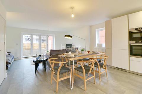 3 bedroom semi-detached house for sale - Tadpole Garden Village