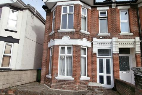 6 bedroom semi-detached house to rent - Cedar Road, Southampton