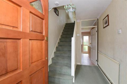 3 bedroom semi-detached house for sale - Oxford Avenue, Hornchurch, Essex