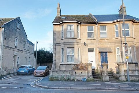 3 bedroom apartment to rent - Lower Bristol Road, Bath