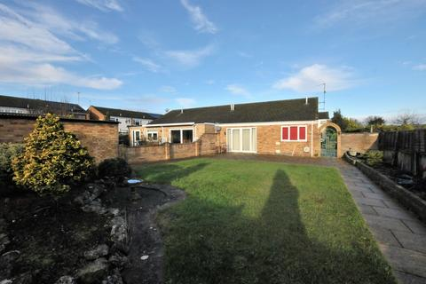 3 bedroom semi-detached bungalow to rent - Chilcourt, Royston
