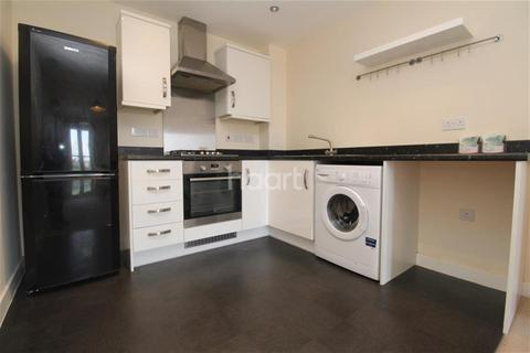 2 bedroom flat to rent - Pavilion Close, The Wickets