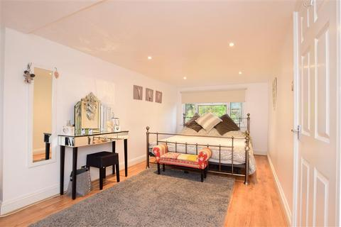 3 bedroom semi-detached bungalow for sale - Greenfield Crescent, Patcham, Brighton, East Sussex