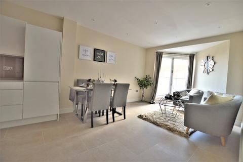2 bedroom apartment to rent - Princes House, Slough