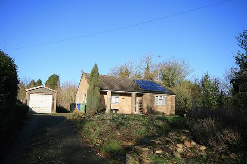 2 bedroom detached bungalow for sale - Roade Hill, Ashton, Northampton, NN7