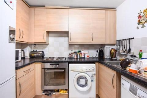 1 bedroom apartment for sale - Berberis House, Highfield Road, Feltham, TW13