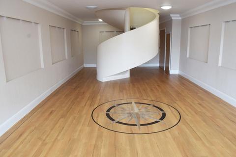 Studio to rent - Earlham Road, Norwich