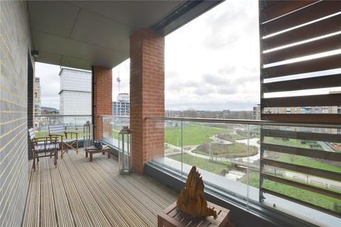 2 bedroom retirement property for sale - Halton Court, 5 Cranfield Walk, Blackheath, London, SE3