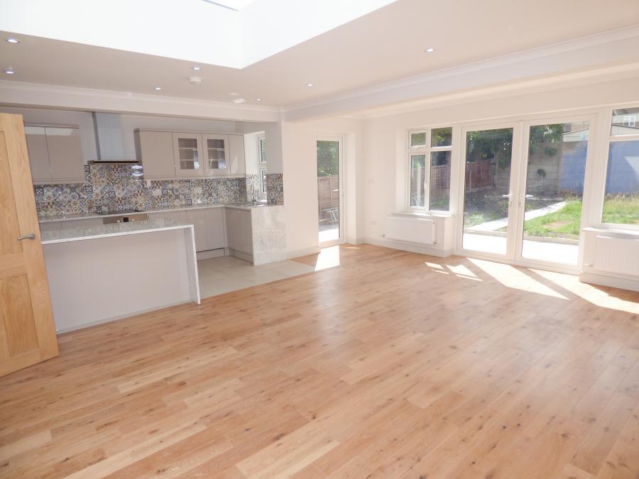 Open plan kitchen, lounge, dining area