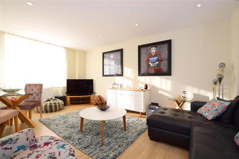 2 bedroom flat for sale - Western Road, Brighton, East Sussex