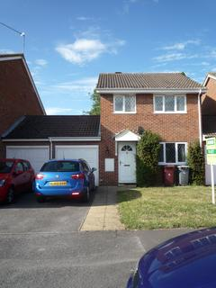 3 bedroom detached house to rent - The Willows, Caversham