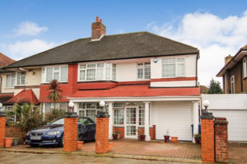 5 bedroom semi-detached house for sale - Thorncliffe Road, southall , Middlesex, UB2