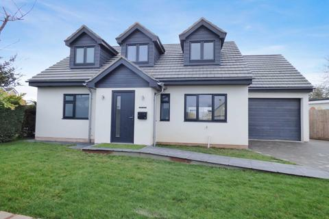 3 bedroom detached house for sale - Kingsway Ave, Paignton