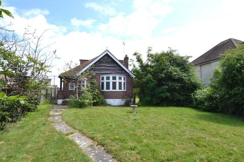 4 bedroom detached bungalow for sale - Bennells Avenue, Tankerton, Whitstable