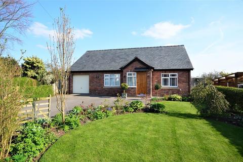 2 bedroom detached bungalow for sale - Goose Lane, Hatton, Warrington
