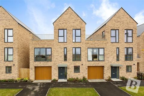 4 bedroom semi-detached house for sale - Regiment Gate, Springfield, Chelmsford, Essex, CM1