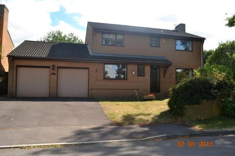 4 bedroom detached house to rent - Hartley Close, Charlton Kings, Cheltenham